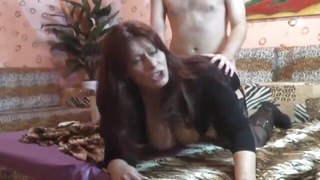 Sexy rubia mamada y sexo latino videos tragar