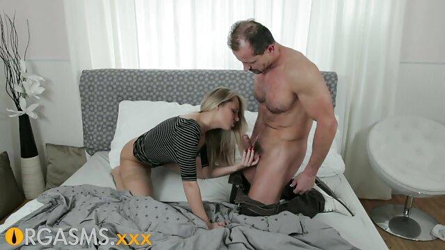 Morena en medias negras porno hablado latino anal