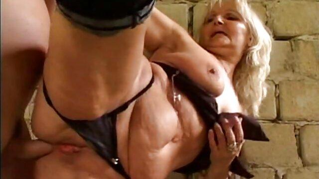 Chica sexo gay en español latino peluda en la webcam