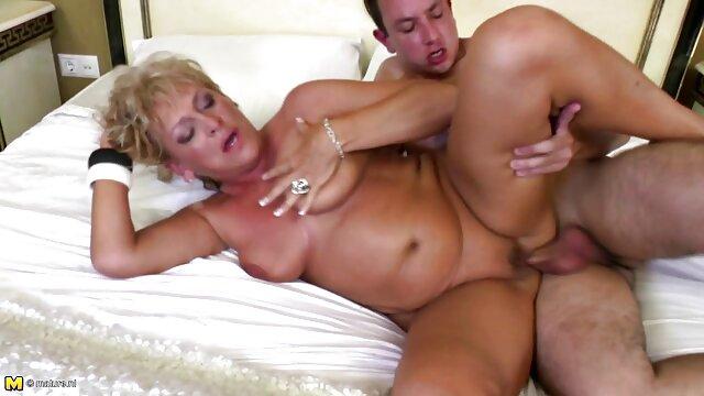 Sexo anal para la preciosa morena Anita Bellini con un sexo entre latinos gay culo perfecto