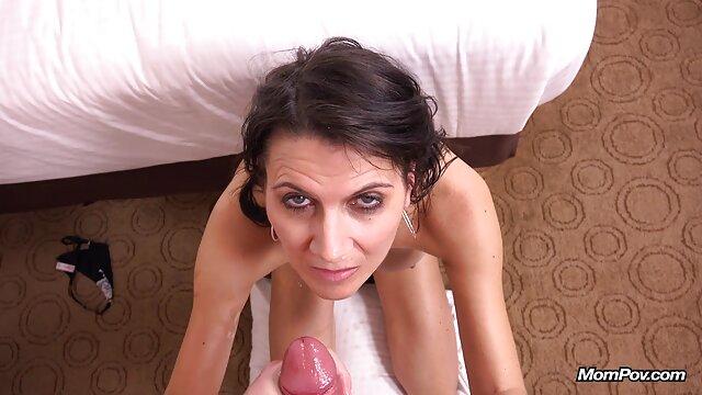 Sammie Jenkins se desnuda junto porno hentai latino a la chimenea