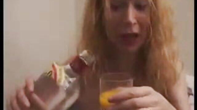Perrito enculada babe disfruta ver porno en audio latino fuertes