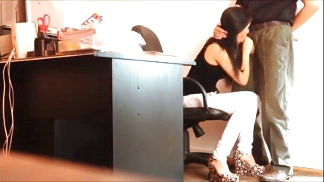 Elegante modelo monta la paginas de porno latino polla de su amante
