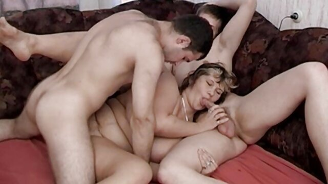 Vídeo de latin gay boy tube Getting Head in the Guest House protagonizado por Kat Dior