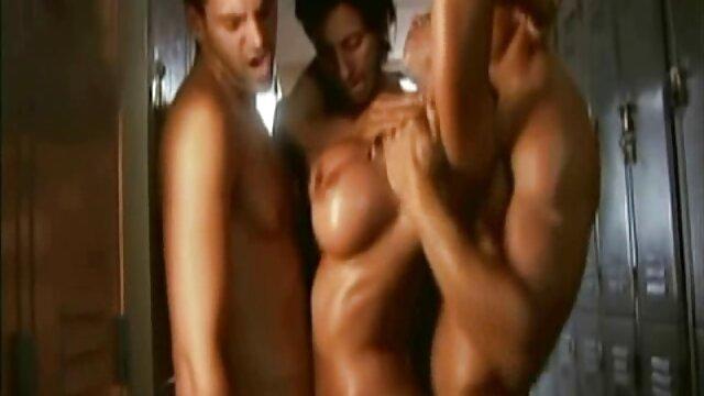 Sexo lésbico frente videos pornos gay gratis latinos al museo Hermitage en St. Petersburgo
